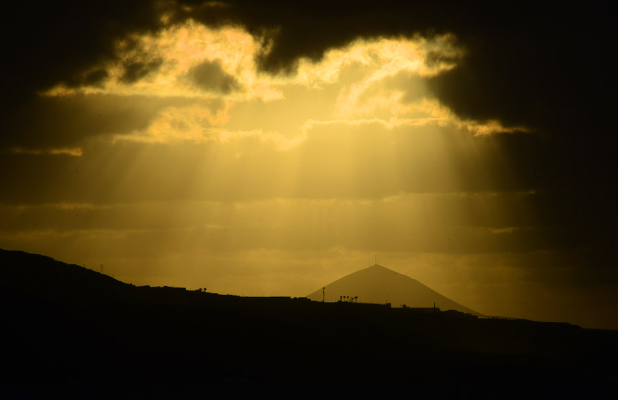 Una ventana a la montaña de Gáldar o quizás de Guía….