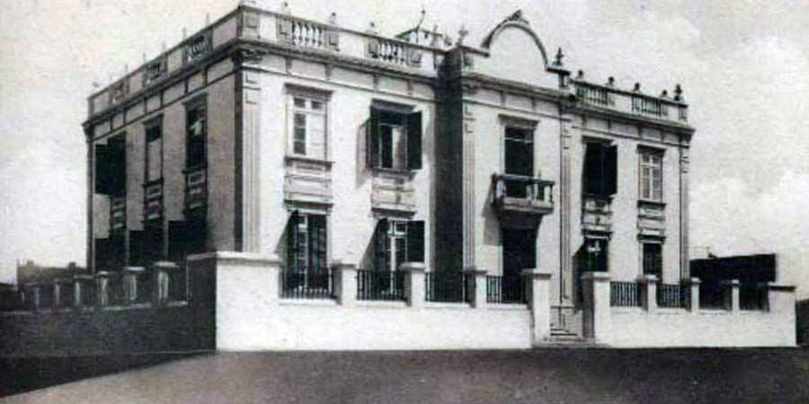 El nacimiento del  edificio Italcable en la «Playa de Las Arenas»