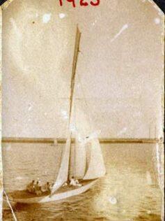 a vela 1923-colecc. Lola Melián