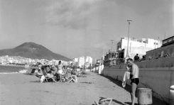 La playa en 1960-colecc. Fernando Hernández Gil