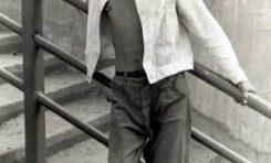 Momo a lo James Dean