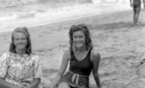 Ana Maria Gómez Arroyo y Carmen Riersker Alzota en 1944