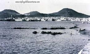 """""""Los billetes flotando"""" una anécdota en la Playa Chica de 1955"""