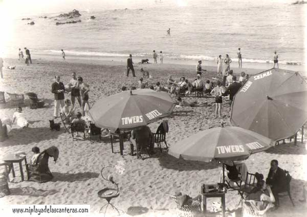 Los clientes del Hotel Towers sobre la arena le la playa