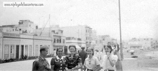 Animación en el paseo, 1938.- colecc. González Guadalupe