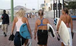 Las niñas son surferas