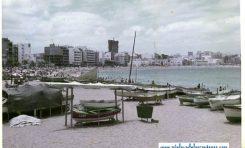 Vista de la playa en la década de los 70, al fondo se construye el Don Juan-colecc. Juan Pérez