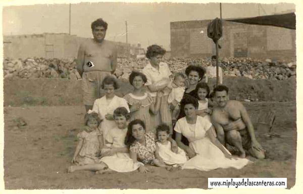 Tomeu el de las sogas con la pandilla de la Cicer, entre otros esta Antonio Díaz y Nonin-1953- colecc. Elena Santana Auyanet