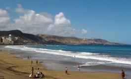 La playa de Guanarteme en tranquilidad