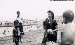 Luz Marina Delgado con su hijo Manuel Pio Rodríguez y Mª Esther Padilla, sobre 1947. Colecc. Familia Delgado.