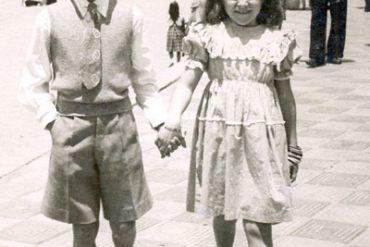 Kika y Cuqui Andersen en Las Canteras, 1948- colecc. Familia Andersen.