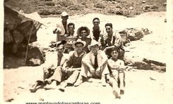 Tarde de parranda en El Confital- sobre 1950-. colecc. Carmen García Ramón.