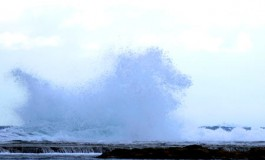 El último día del 2009 llega con viento y mar revuelto.