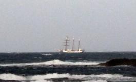 Sopla el viento en la Bahía de El Confital.