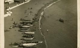 Postal turística de la playa de Las Canteras, 1951.