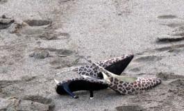 A Cenicienta se le olvidaron los dos zapatos en la playa de Las Canteras.