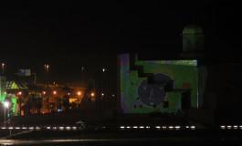 Los grafitis de luz de OMA pintan el Auditorio Alfredo Kraus.