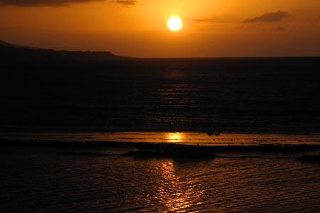 El sol se refleja en la Barra Grande.