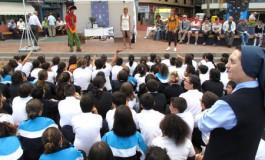 El Día del Libro se vivió con intensidad en el paseo de Las Canteras.