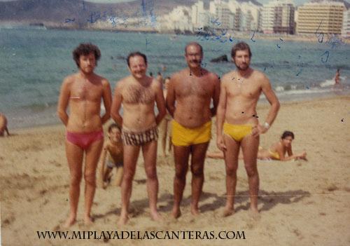 Sixto Luzardo, Manolo Salcedo, Paco Rodríguez y Oscar Heredia en Las Canteras, sobre 1970- colecc. Familia Salcedo.