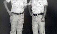 Policías locales con uniforme de playa 1976-1979