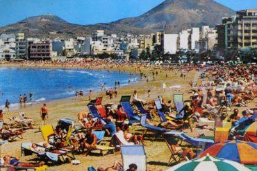 Playa de Las Canteras, sobre 1970.