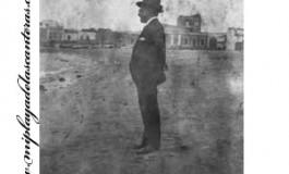 Saulo Torón en la playa de las Canteras, sobre 1925-1930