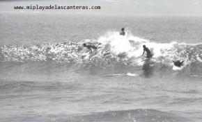 Surf en blanco y negro, sobre 1980