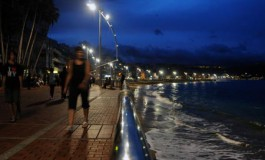 Noche calurosa, a la espera de que empiece a llover....y a soplar el viento ?