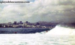 Surf en El Confital, sobre 1980- colecc. Familia Zanolety.