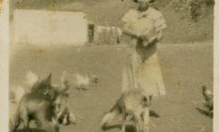 Maria Ruano en Las Salinas de El Confital, sobre 1940- colecc. Asunción Santana Ramírez.