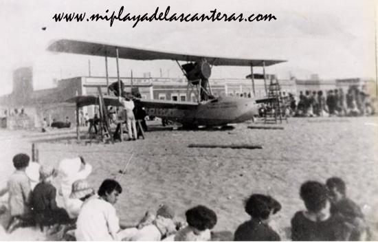 """Luis García de Vegueta in memoriam """"  Un hidroavión en la playa de las Canteras """""""