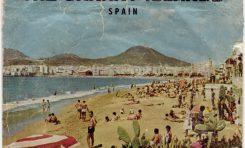 Postal turística de La playa de Las Canteras, sobre 1960- Colecc. Familia Pozuelo.