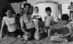 La Familia Nuez en la playa de Las Canteras, sobre 1960. Colecc. Rita Nuez.