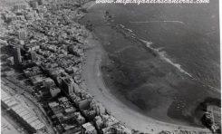 Vista aérea de la playa de Las Canteras, sobre 1980- Colecc. Delia Vega Rodríguez.