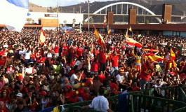 El parque de la Música se abarrotó para ver a España proclamarse Campeona de Europa 2012 (Foto: Esteban Campillo Nuez).