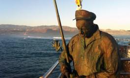 Juan el Chacalote sigue con su pesca, inmune a calmas y temporales ( Foto: Efraín Castellano).