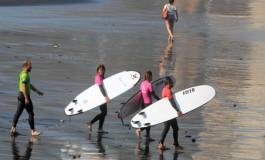 A jugar con las olas....