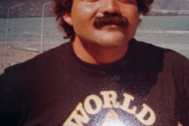 Manolo González sobre 1985.