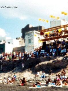 Años noventa: campeonato de surf en la playa de la Cicer