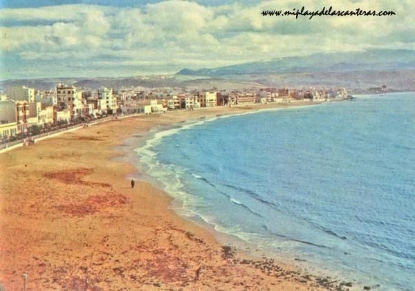 Vista de la playa de Las Canteras entre 1940-45.