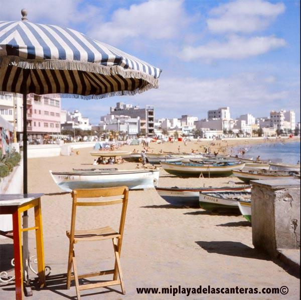 La playa de Las Canteras en 1961. Foto de la Familia Klee.