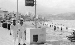Marineros foráneos en Las Canteras de los años 60-70.