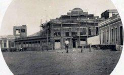1928. Construcción del Teatro Hermanos Millares.
