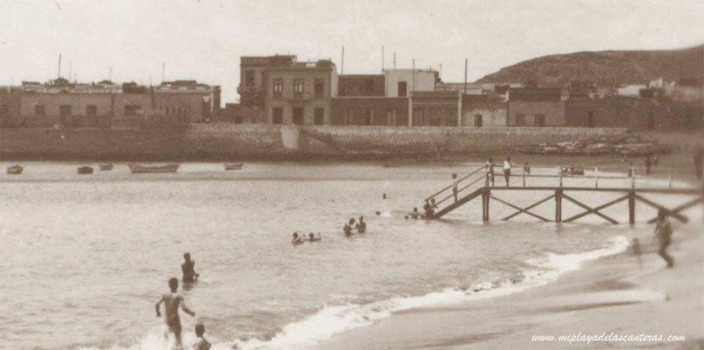 La pasarela embarcadero de La Puntilla. Sobre 1925.