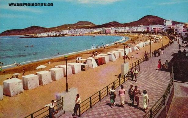 La playa de Las Canteras en los 50 del siglo pasado.