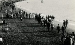 Un domingo en Las Canteras. Sobre 1940.