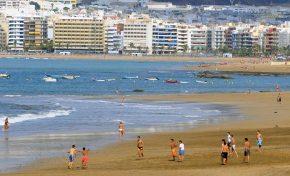 El plan de desconfinamiento de Canarias propone volver a la playa dentro de 2 o 3 semanas