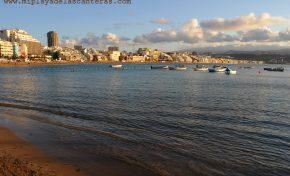 La playa de Las Canteras renueva en 2020 su Bandera Azul