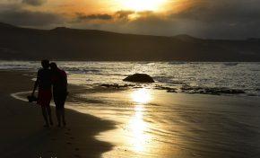 A la playa de Las Canteras (Poesía)